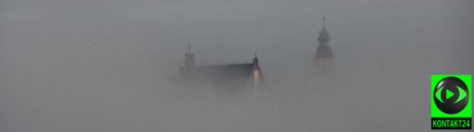 Warszawa otulona mgłą