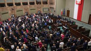 """""""Najwyższy hołd i szacunek"""". Sejm jednogłośnie upamiętnił powstanie"""