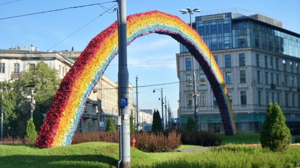 Tak wyglądała tęcza na placu Zbawiciela tvnwarszawa.pl
