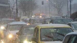 Śnieg, deszcz i korki. Zima zaskoczyła kierowców